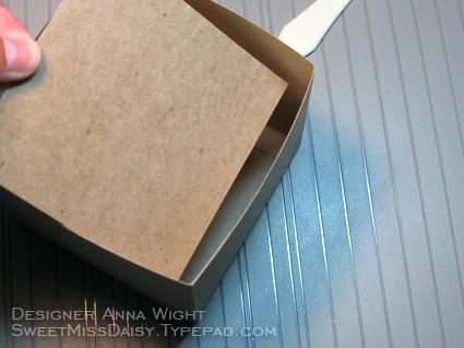 AnnaWight4x4Box8
