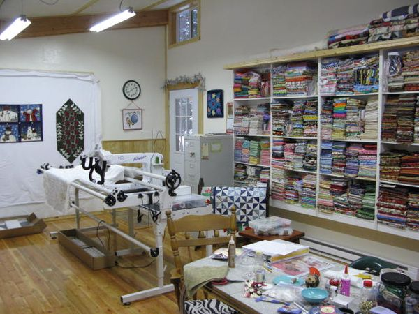 Mom 39 s quilt studio progress sassy sweet notes for Quilt room design ideas