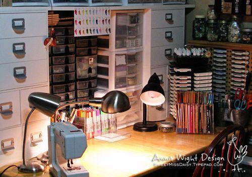 AnnaWight201003desk2.pg